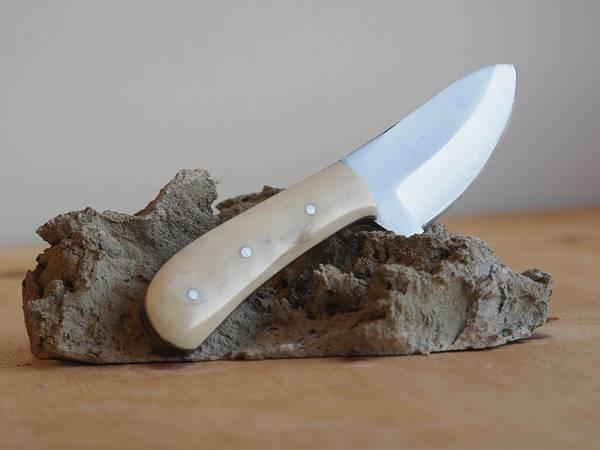 Bilde av Wild Turkey - Håndlaget Karbonstålkniv med Slire - Brun
